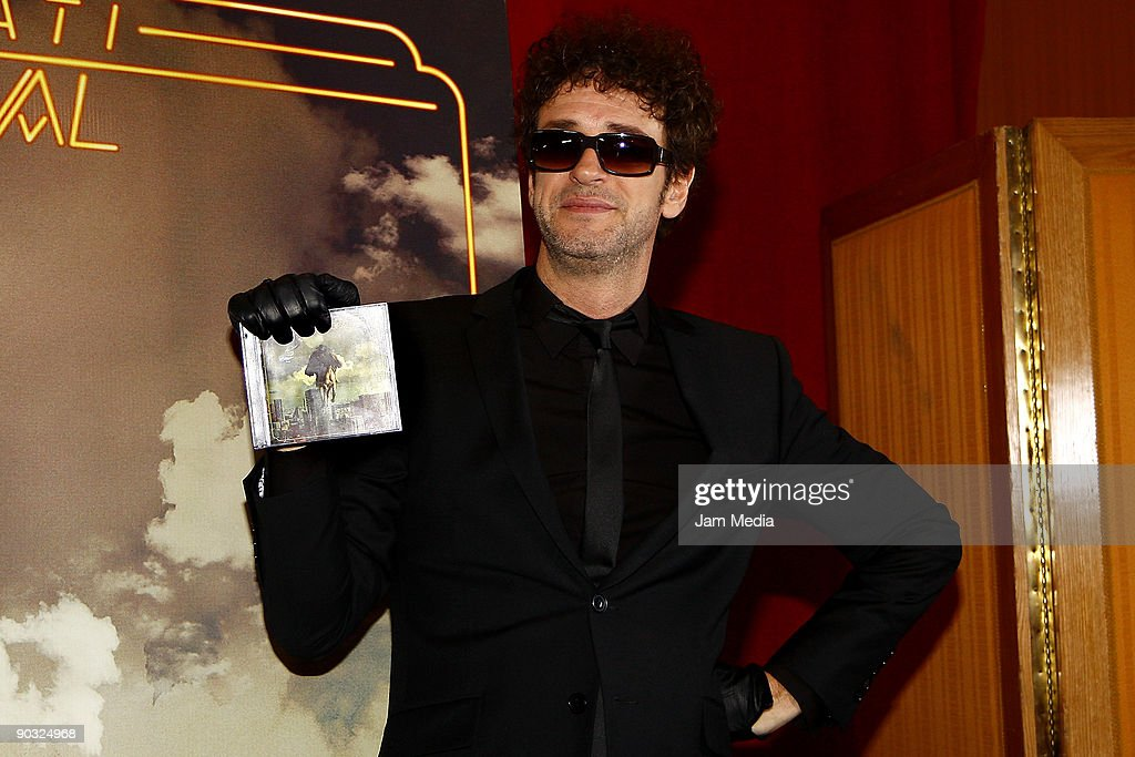 Singer Gustavo Cerati poses for a photograph during a press conference to present his new album 'Fuerza Natural' on September 03, 2009 in Mexico City, Mexico.