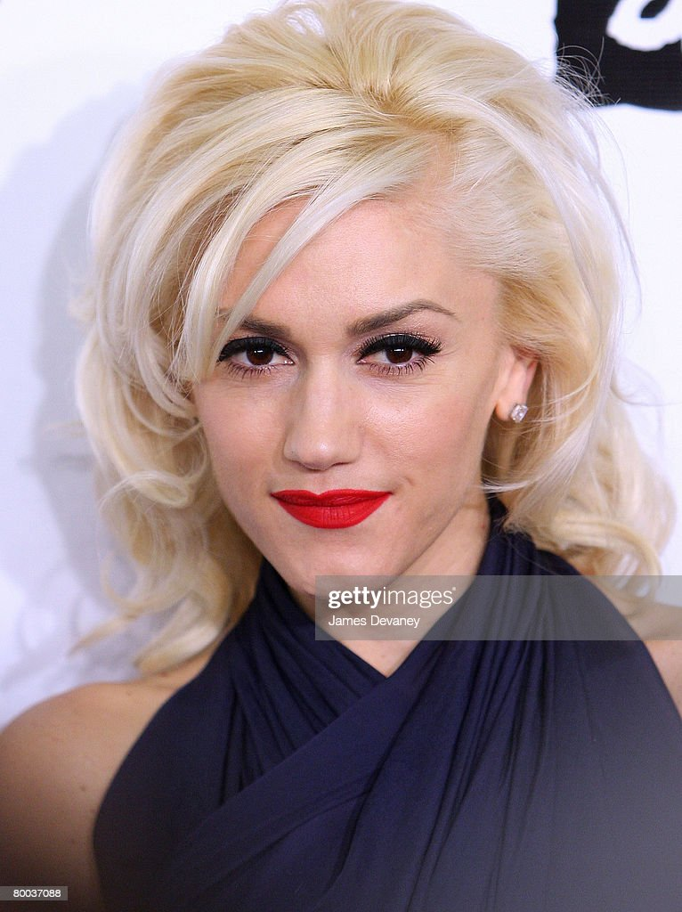 Singer Gwen Stefani arrives at Conde Nast Media Group's 4th Annual 'Black Ball' Concert for 'Keep A Child Alive' at Hammerstein Ballroom on October 25, 2007 in New York City.