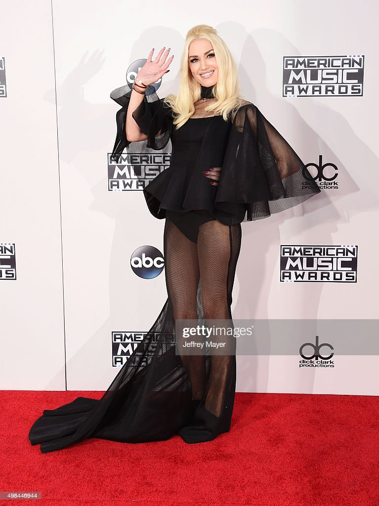 Singer Gwen Stefani arrives at the 2015 American Music Awards at Microsoft Theater on November 22, 2015 in Los Angeles, California.