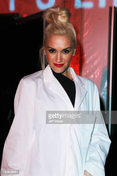Singer Gwen Stefani attends 2011 MOCA Gala An Artist's Life Manifesto Directed by Marina Abramovic at MOCA Grand Avenue on November 12 2011 in Los...