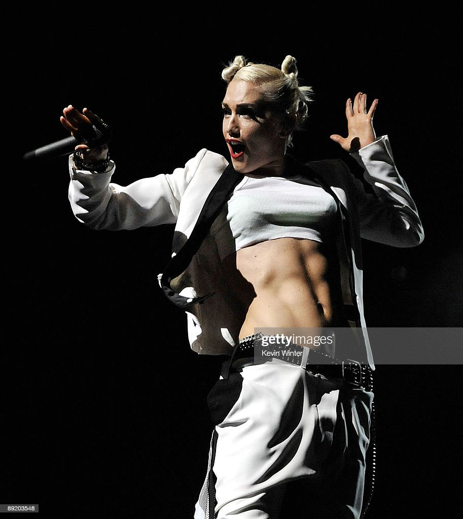 Singer Gwen Stefani of the rock band No Doubt performs at the Gibson Amphitheatre on July 22, 2009 in Universal City, California.