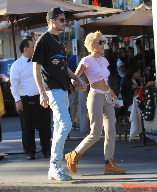 Celebrity Sightings - Los Angeles, CA - Yelp