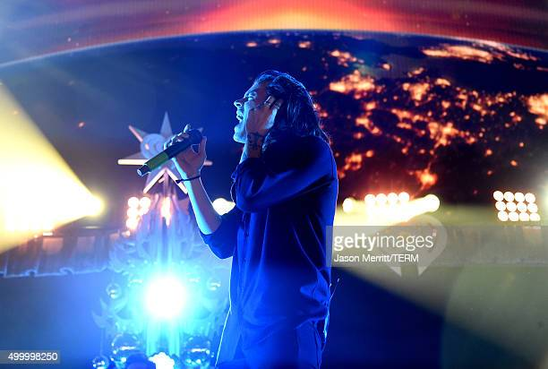 Singer Harry Styles of One Direction performs onstage during 1027 KIIS FM's Jingle Ball 2015 Presented by Capital One at STAPLES CENTER on December 4...