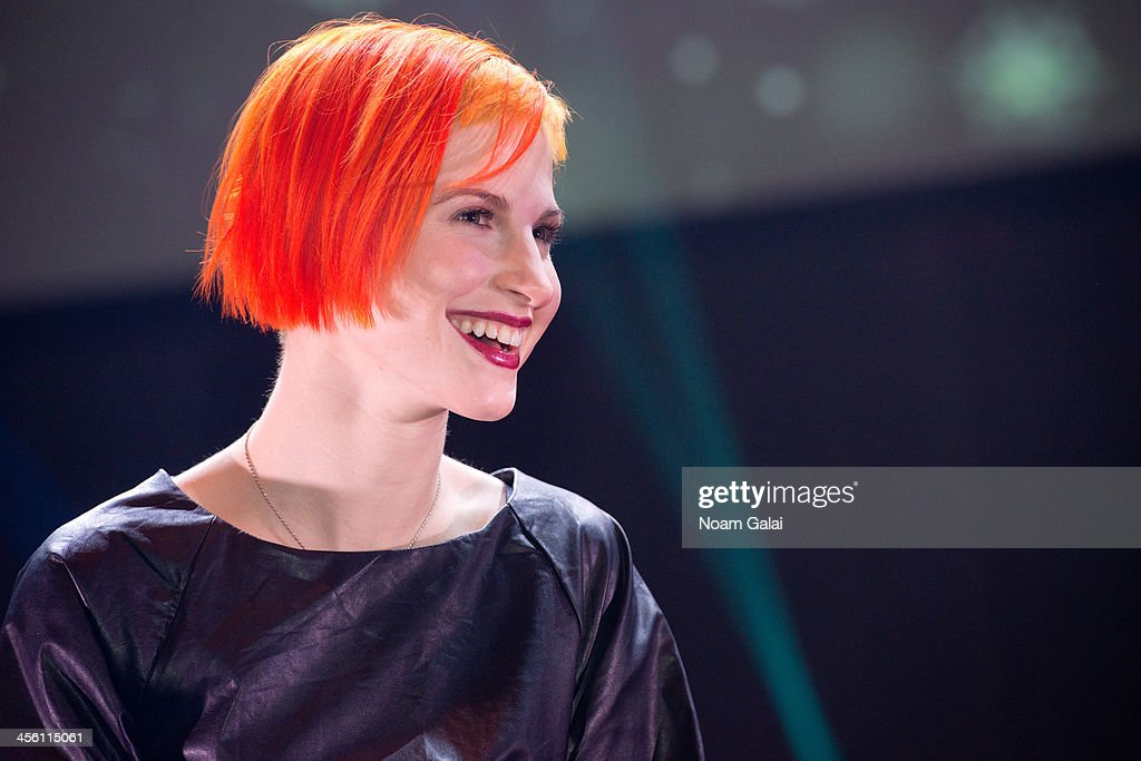 Singer Hayley Williams of Paramore performs at the Z100 & Coca-Cola All Access Lounge at Hammerstein Ballroom on December 13, 2013 in New York City.