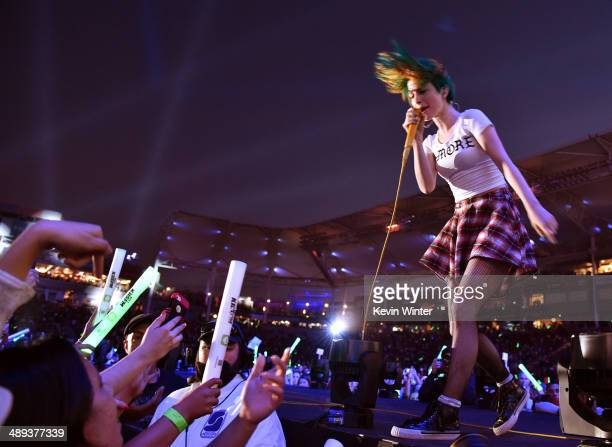 Singer Hayley Williams of Paramore performs onstage during 1027 KIIS FM's 2014 Wango Tango at StubHub Center on May 10 2014 in Los Angeles California