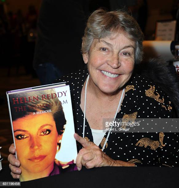 Singer Helen Reddy attends The Hollywood Show held at The Westin Los Angeles Airport on January 7 2017 in Los Angeles California