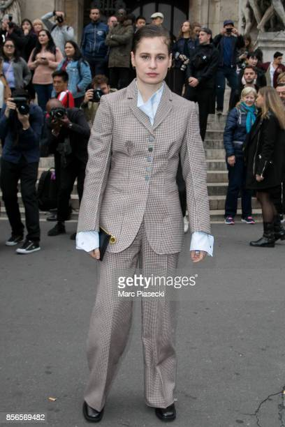 Singer Heloise Letissier aka Christine And The Queens arrives to attend the 'Stella McCartney' fashion show at Opera de Paris on October 2 2017 in...