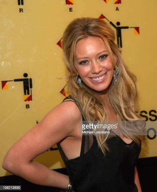 """Singer Hilary Duff attends MTV's TRL """"Total Finale Live"""" at the MTV Studios in Times Square on November 16, 2008 in New York City."""
