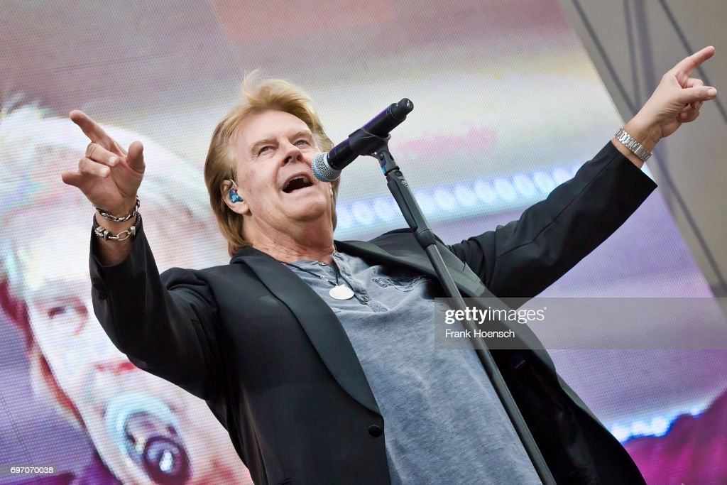Singer Howard Carpendale performs live during the show 'Die Schlagernacht des Jahres' at the Waldbuehne on June 17, 2017 in Berlin, Germany.