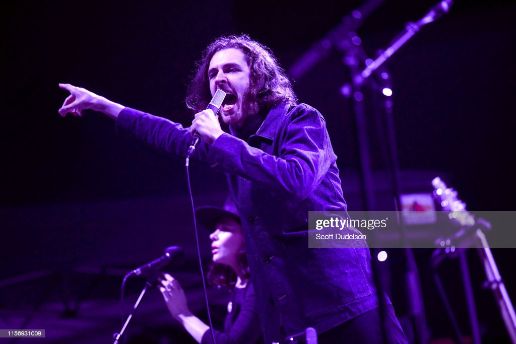 Hozier Performs At Hollywood Forever : News Photo