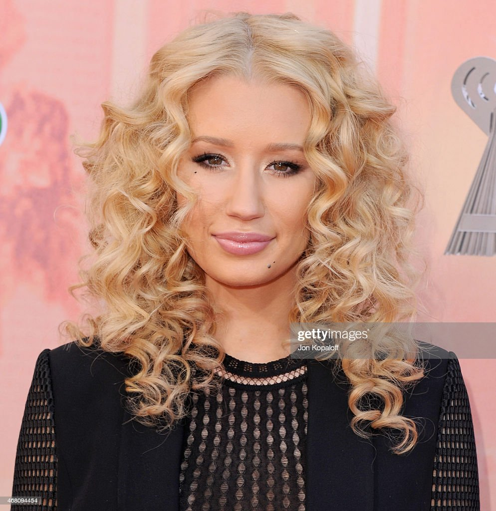 Singer Iggy Azalea arrives at the 2015 iHeartRadio Music Awards at The Shrine Auditorium on March 29, 2015 in Los Angeles, California.