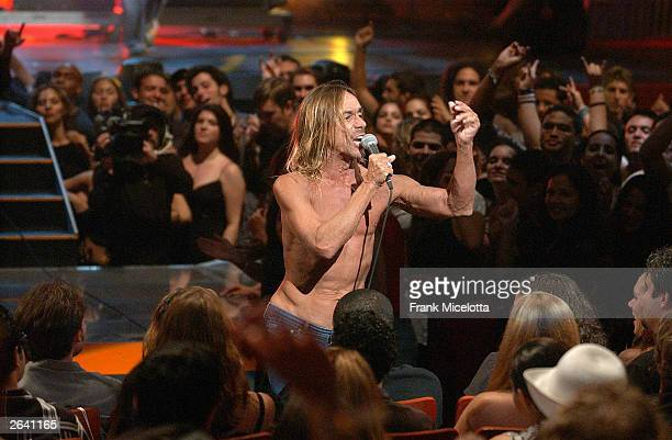 Singer Iggy Pop performs onstage at the MTV Video Music Awards Latin America 2003 at the Jackie Gleason Theater on October 23, 2003 in Miami, Florida.
