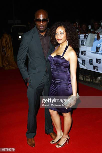 Singer Ikechukwu and guest arrive for the MTV Africa Music Awards 2008 at the Abuja Velodrome on November 22, 2008 in Abuja, Nigeria.