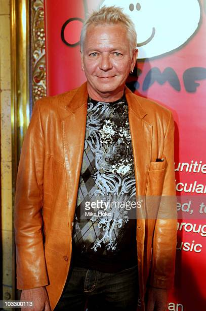 Singer Iva Davies arrives at the State Theatre for Dueting It For The Kids charity concert on August 9 2010 in Sydney Australia The fundraiser for...