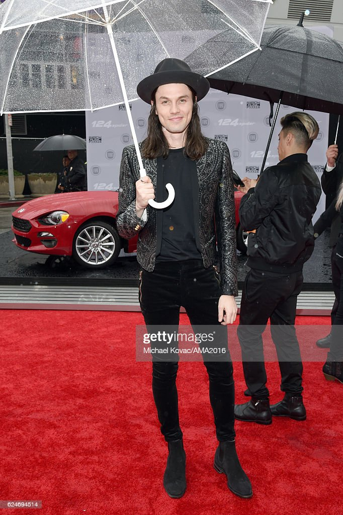 Singer James Bay attends the 2016 American Music Awards at Microsoft Theater on November 20, 2016 in Los Angeles, California.