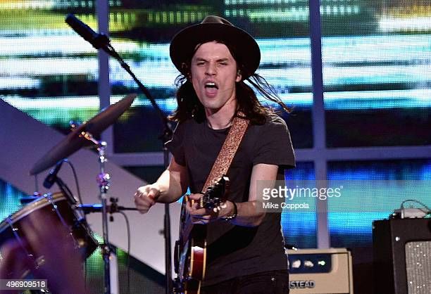 Singer James Bay performs onstage during the VH1 Big Music in 2015 You Oughta Know Concert at The Armory Foundation on November 12 2015 in New York...