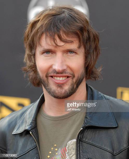 Singer James Blunt arrives to the 2007 American Music Awards at the Nokia Theatre on November 18 2007 in Los Angeles California