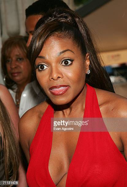 Singer Janet Jackson attends the 2006 CFDA Awards at the New York Public Library June 5 2006 in New York City