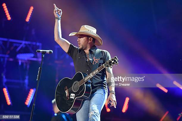 Singer Jason Aldean performs onstage during 2016 CMA Festival - Day 1 at Nissan Stadium on June 9, 2016 in Nashville, Tennessee.