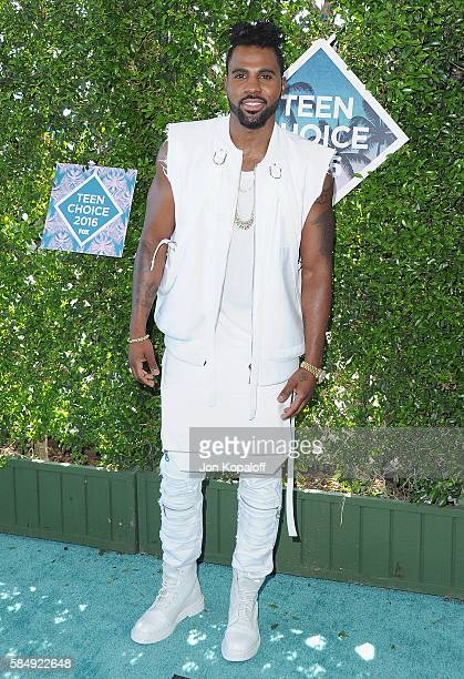 Singer Jason Derulo arrives at the Teen Choice Awards 2016 at The Forum on July 31 2016 in Inglewood California