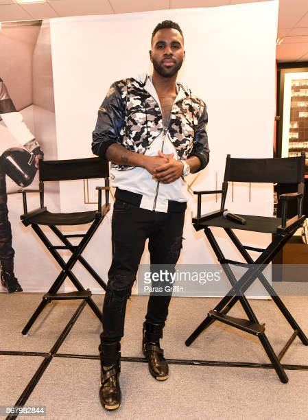 Singer Jason Derulo at Bloomingdale's Celebrates LVL XIII Men's Luxury Wear at Bloomingdale's Lenox Square Mall on October 29 2017 in Atlanta Georgia