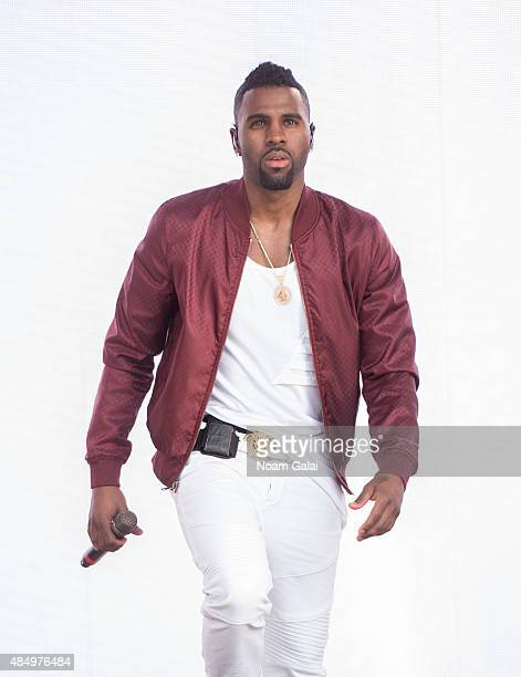 Singer Jason Derulo performs during the 2015 Billboard Hot 100 Music Festival at Nikon at Jones Beach Theater on August 22 2015 in Wantagh New York