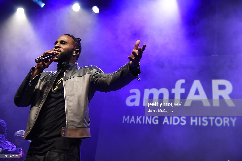 Singer Jason Derulo performs onstage during the 7th Annual amfAR Inspiration Gala at Skylight at Moynihan Station on June 9, 2016 in New York City.