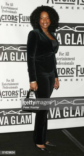 Singer Jennifer Hudson attends The Actors Fund of America's star studded gala 'That's Entertainment' on October 30 2004 at The Waldorf Astoria in New...