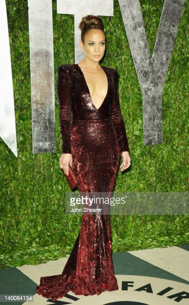 Singer Jennifer Lopez arrives at the 2012 Vanity Fair Oscar Party hosted by Graydon Carter at Sunset Tower on February 26 2012 in West Hollywood...