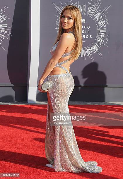 Singer Jennifer Lopez arrives at the 2014 MTV Video Music Awards at The Forum on August 24 2014 in Inglewood California