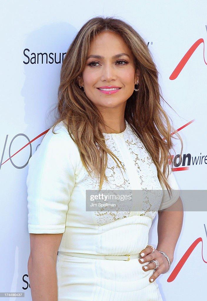 Singer Jennifer Lopez attends the flagship store celebration at Viva Movil on July 26, 2013 in New York City.
