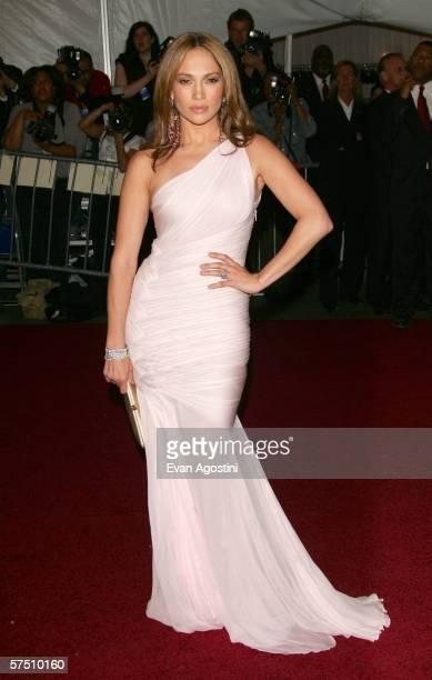 Singer Jennifer Lopez attends the Metropolitan Museum of Art Costume Institute Benefit Gala: Anglomania at the Metropolitan Museum of Art May 1, 2006...