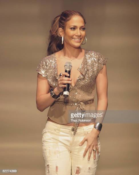 Singer Jennifer Lopez performs at the HOT 97's Full Frontal Hip Hop at Manhattan Center's Hammerstein Ballroom on March 3 2005 in New York City