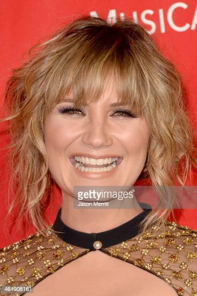 Singer Jennifer Nettles attends The 2014 MusiCares Person ...