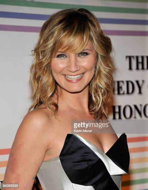 Singer Jennifer Nettles attends the 32nd Kennedy Center Honors at Kennedy Center Hall of States on December 6 2009 in Washington DC