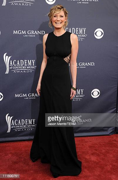 Singer Jennifer Nettles of Sugarland arrives at the 46th Annual Academy Of Country Music Awards RAM Red Carpet held at the MGM Grand Garden Arena on...