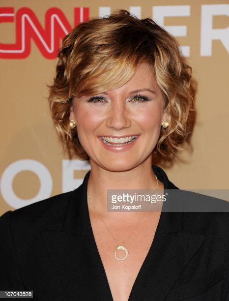 Singer Jennifer Nettles of Sugarland arrives at the 4th Annual CNN Heroes: An All Star Tribute at The Shrine Auditorium on November 20, 2010 in Los...