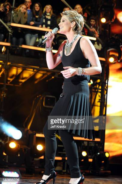 Singer Jennifer Nettles of Sugarland during 'VH1 Divas Salute the Troops' presented by the USO at the MCAS Miramar on December 3 2010 in Miramar...