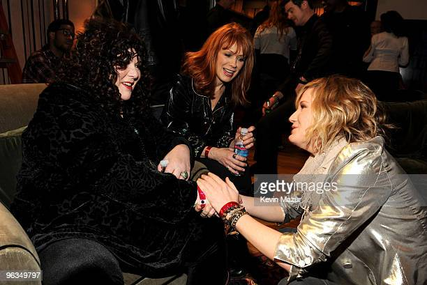 COVERAGE* Singer Jennifer Nettles of the band Sugarland with singers Ann Wilson and Nancy Wilson from Heart attend the 'We Are The World 25 Years for...