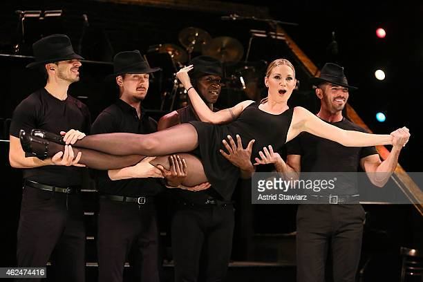 """Singer Jennifer Nettles performs during a rehearsal for broadway's hit musical """"Chicago"""" on January 29, 2015 in New York City."""