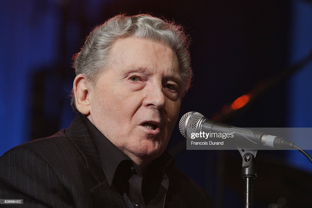 Singer Jerry Lee Lewis performs at the 'Les Legendes Du Rock and Roll' concert at the Zenith on November 14, 2008 in Paris, France.