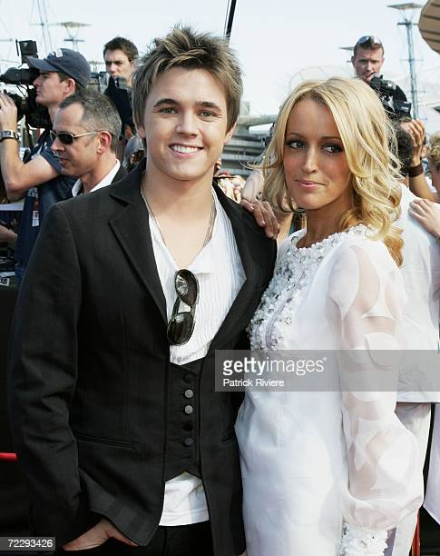 Singer Jesse McCartney and radio presenter Jackie O arrive at the ARIA Awards 2006 at the Acer Arena on October 29 2006 in Sydney Australia The ARIA...