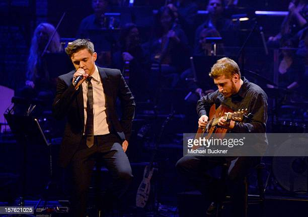 Singer Jesse McCartney performs onstage during a celebration of Carole King and her music to benefit Paul Newman's The Painted Turtle Camp at the...