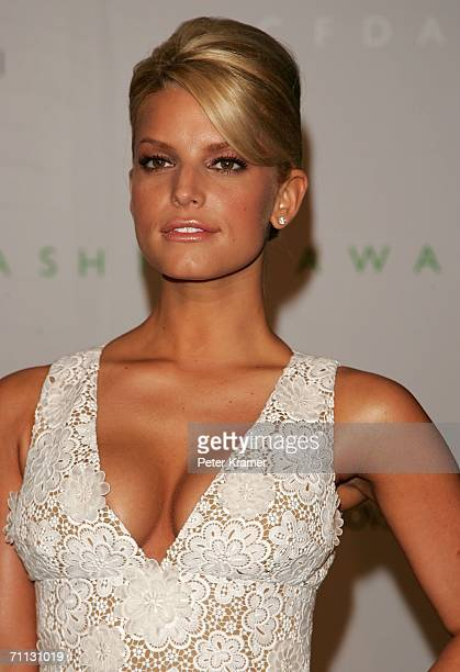 Singer Jessica Simpson attends the 2006 CFDA Awards at the New York Public Library June 5 2006 in New York City