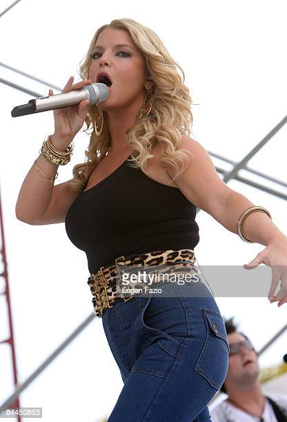 Singer Jessica Simpson performs at the 999 Kiss Country 24th Annual Chili Cook Off at CB Smith Park on January 25 2009 in Pembroke Pines Florida