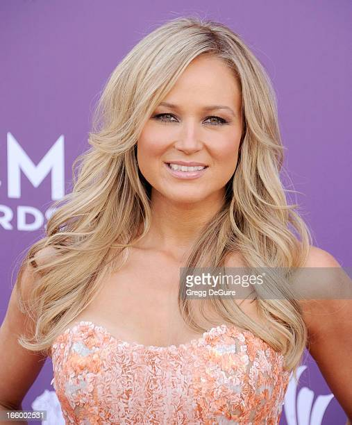 Singer Jewel arrives at the 48th Annual Academy Of Country Music Awards at MGM Grand Garden Arena on April 7, 2013 in Las Vegas, Nevada.