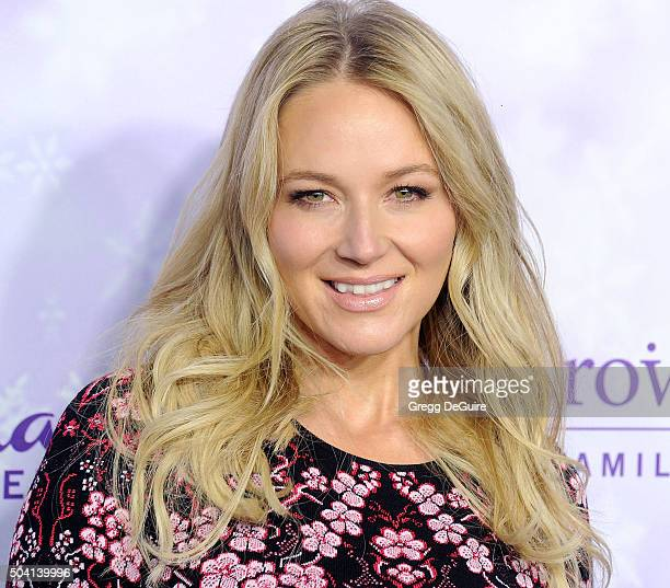 Singer Jewel arrives at the Hallmark Channel and Hallmark Movies and Mysteries Winter 2016 TCA Press Tour at Tournament House on January 8, 2016 in...