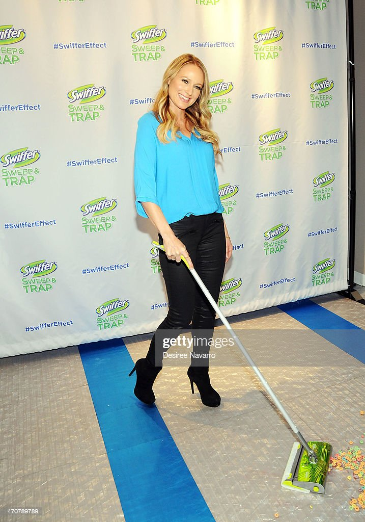 Singer Jewel attends Make Meaning at Swiffer Sweep & Trap