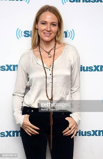 Singer Jewel Kilcher visits the SiriusXM Studios on September 21 2016 in New York City