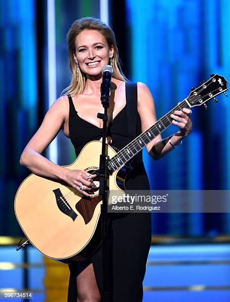 Singer Jewel performs onstage at The Comedy Central Roast of Rob Lowe at Sony Studios on August 27 2016 in Los Angeles California The Comedy Central...